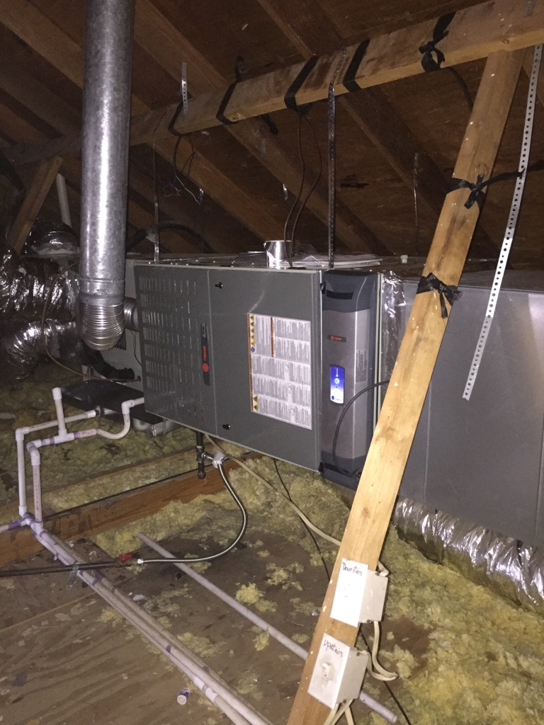 Gas furnace replacement installation with clean effects by MajanosAC