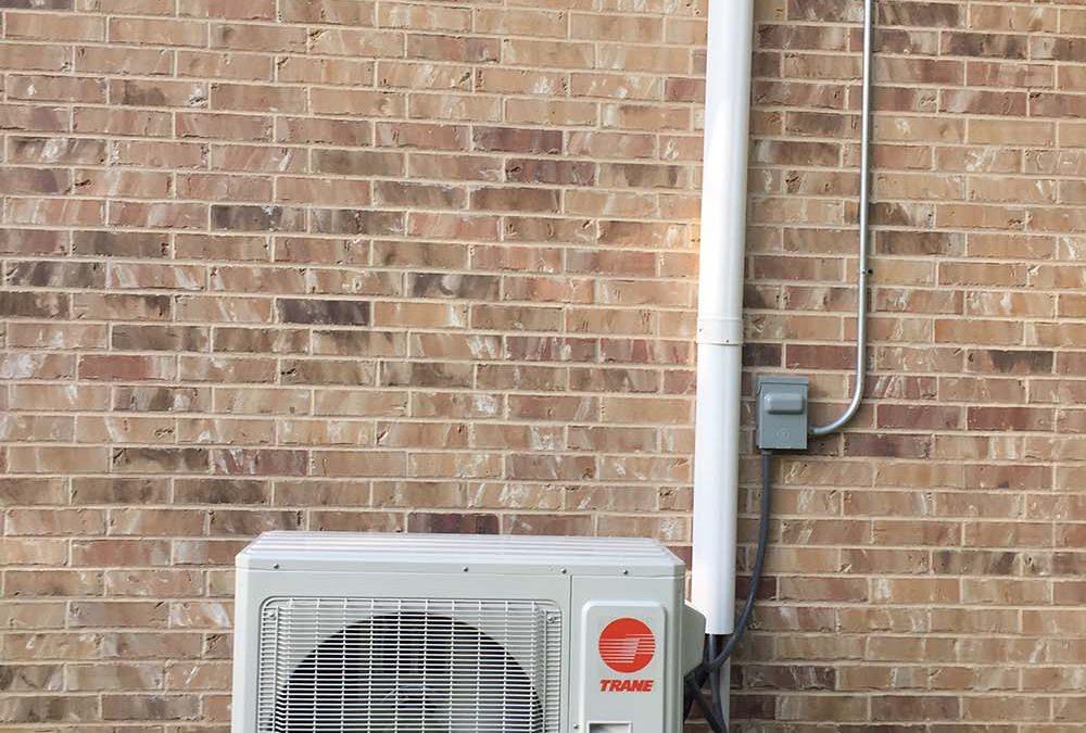 Bay Ridge Little Elm Tx. Installation of a 3 Ton Heat Pump Mini Split System 18 Seer Trane